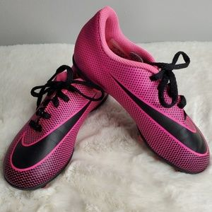 Nike Girls Pink  Soccer Cleats